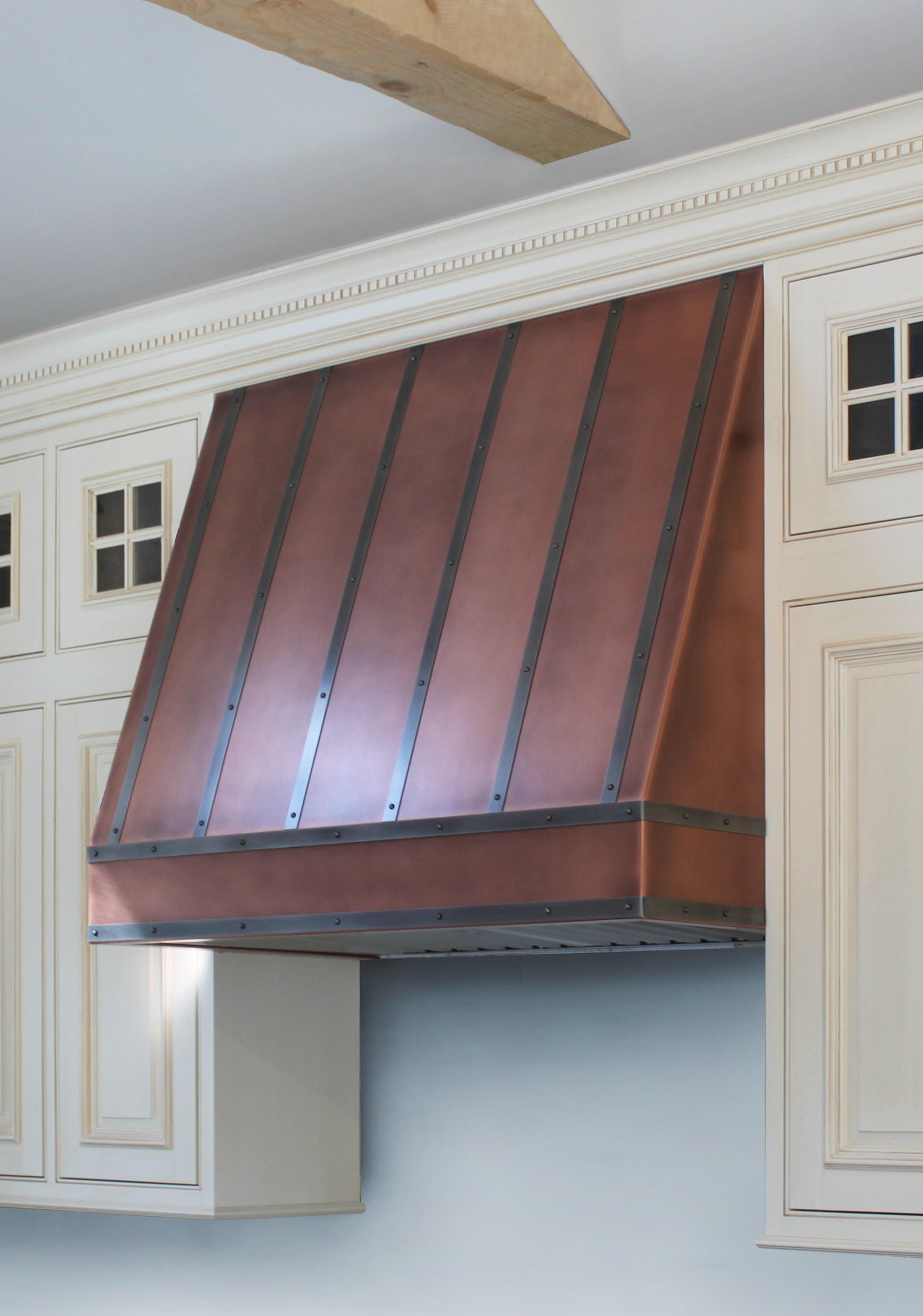 Wall mounted Elite in Antique copper with black powdercoat banding.