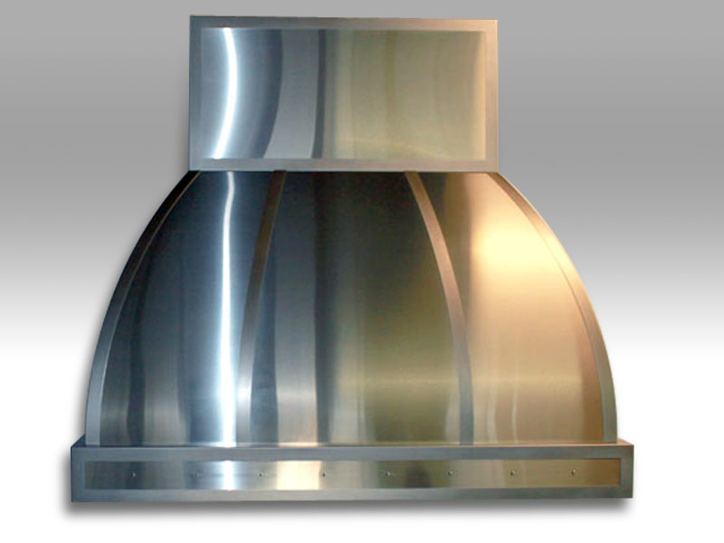 Wall mounted Arcata with a non-directional stainless steel body and polished stainless steel trim.